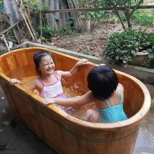 wood bathtube 1